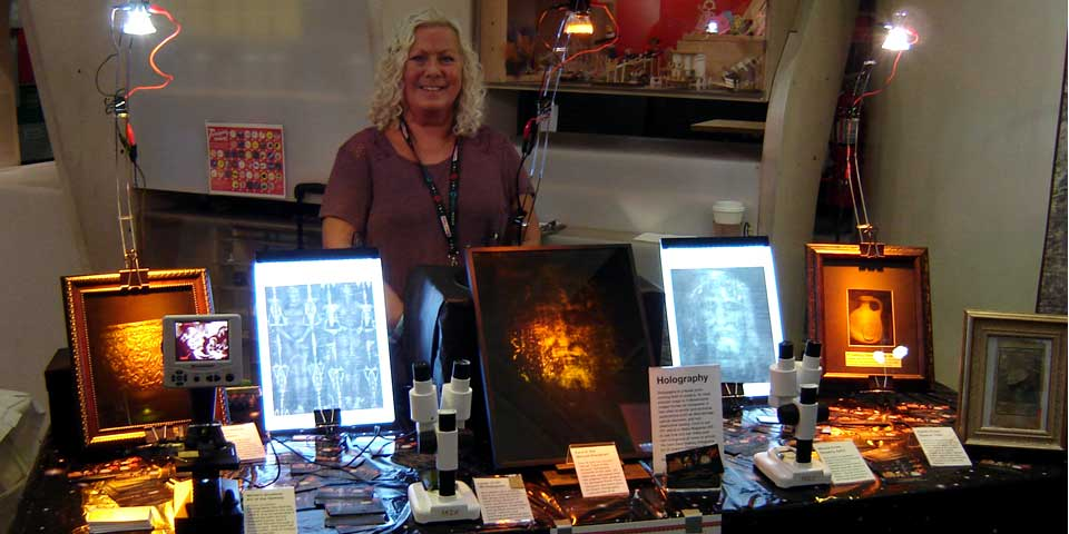 Debi DeFreitas displaying 3D hologram imaging technologies associated with the Shroud of Turin.